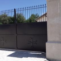 portail avec croix des templier